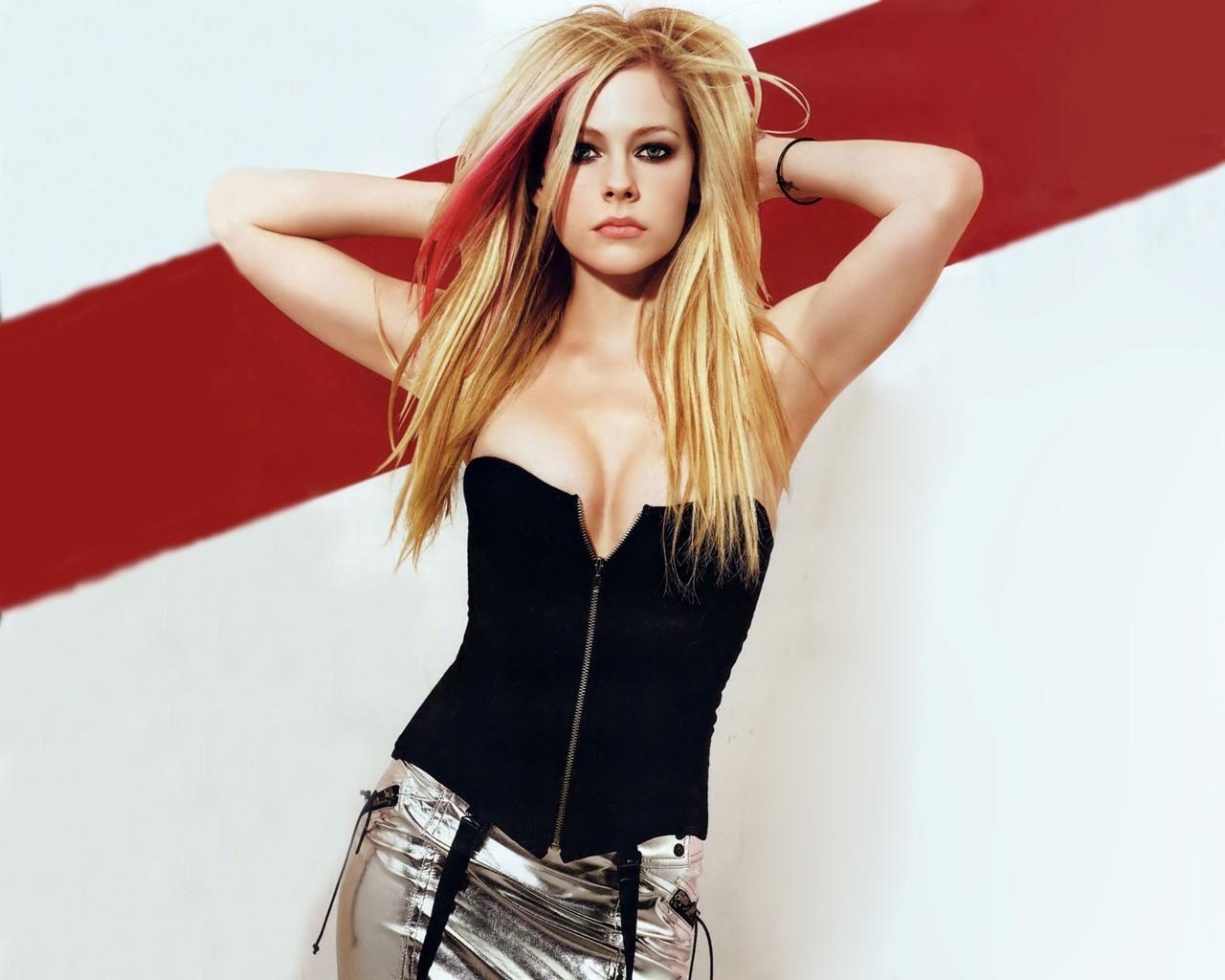 Lavigne avril photos nude